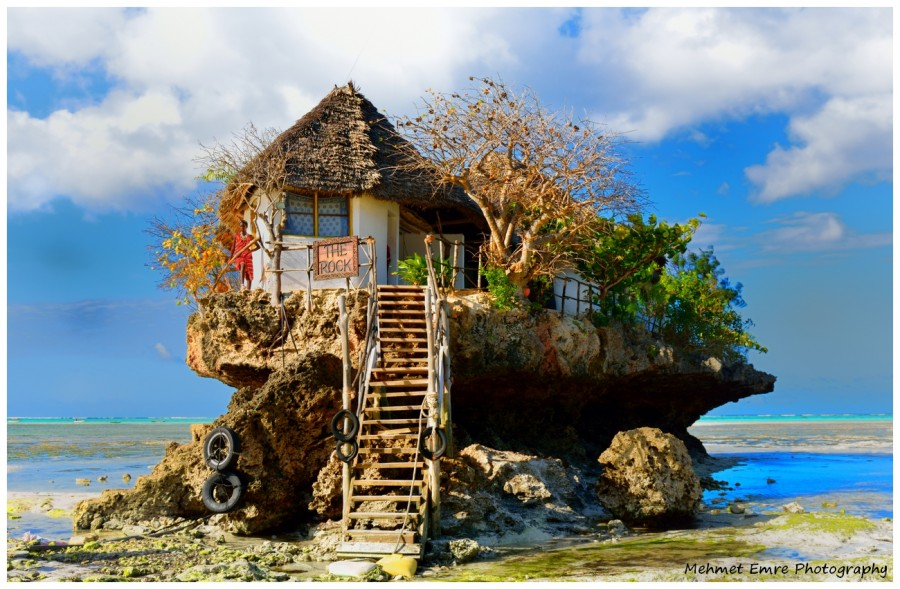 2899379-the-rock-zanzibar