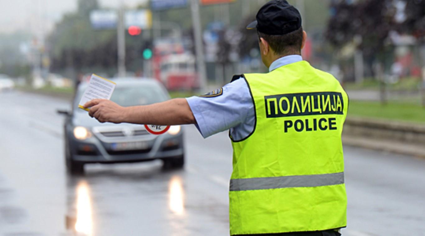policija-soobrakaj-vozilo-skopje