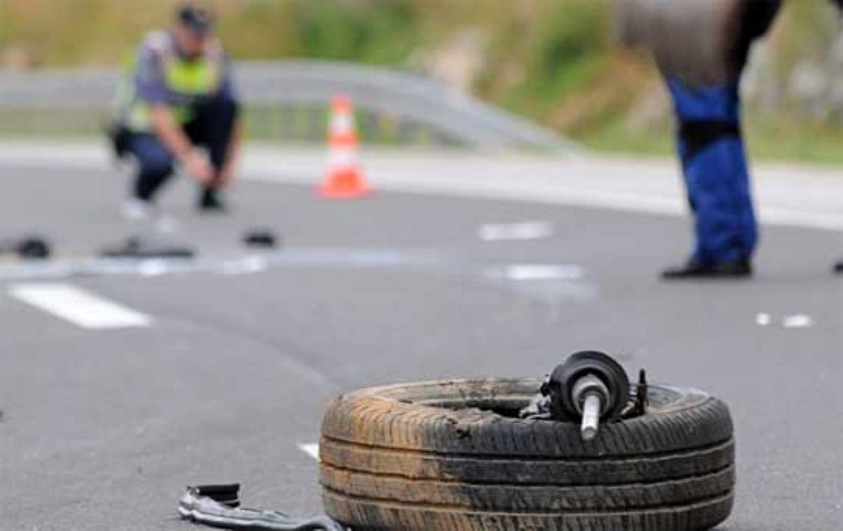 Триесетина ученици повредени во сообраќајка на патот Демир Хисар   Кичево
