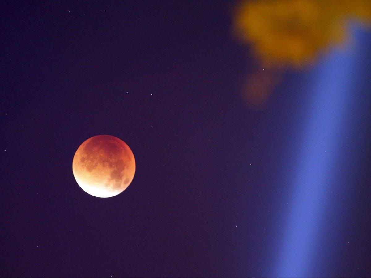 supermoon-eclipse[1]