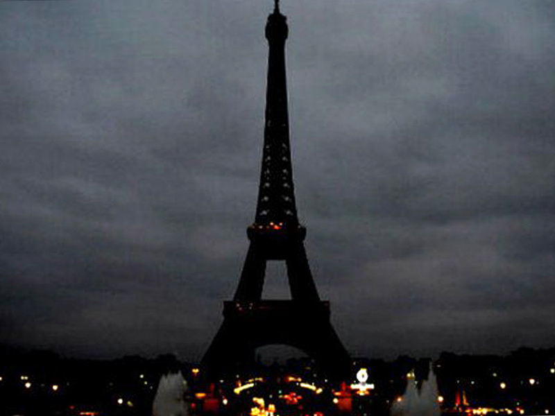 eiffel-tower-01-800[1]