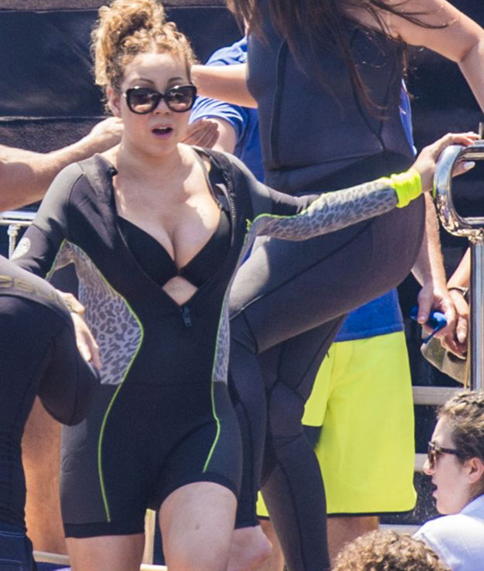 Mariah Carey and her billionaire beau James Packer are seen on Arctic P yacht on July 05, 2016 in Capri, Italy.  Pictured: Mariah Carey Ref: SPL1313542  060716   Picture by: Splash News Splash News and Pictures Los Angeles:310-821-2666 New York:212-619-2666 London:870-934-2666 photodesk@splashnews.com