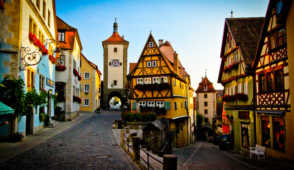 01-our-favorite-stop-on-the-drive-north-was-the-medieval-city-of-rothenburg1