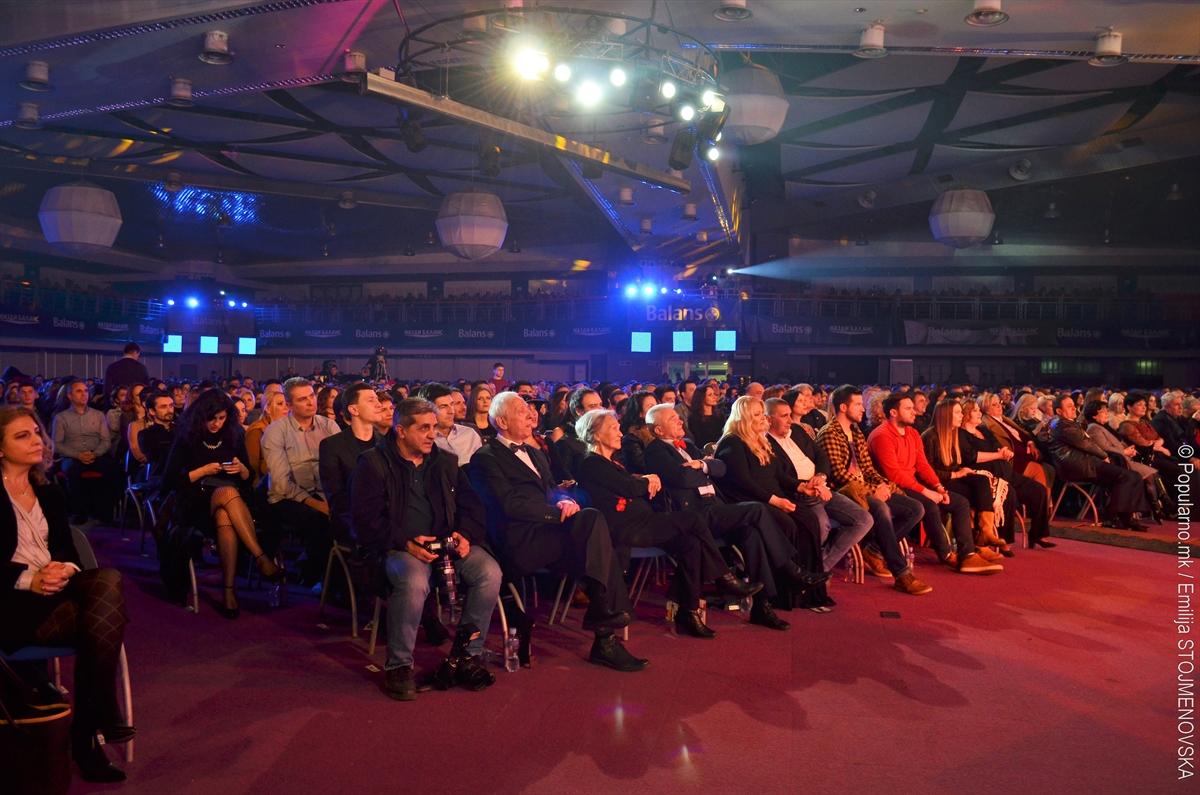 """20 ГОДИНИ """"ЗЛАТНА БУБА МАРА"""": Обвинителките главна атракција на сцената (ФОТОГАЛЕРИЈА)"""