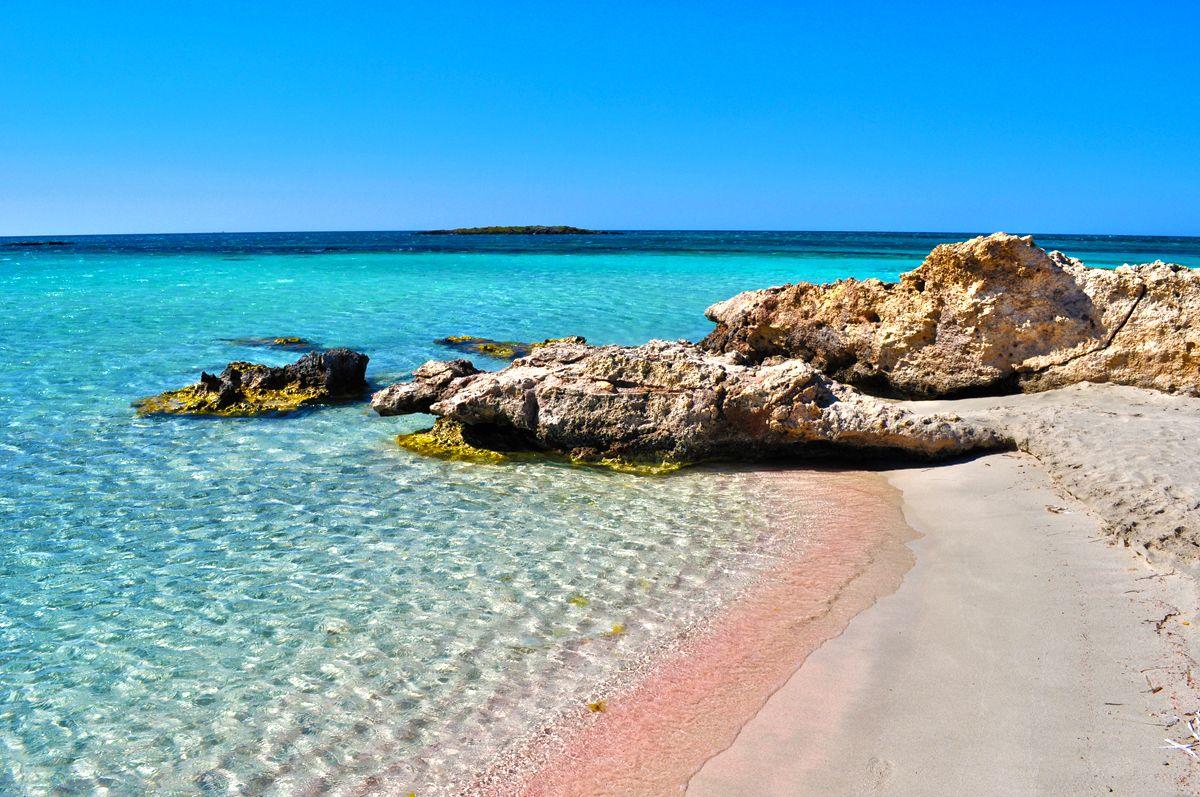 Три грчки плажи во светските топ листи за 2017