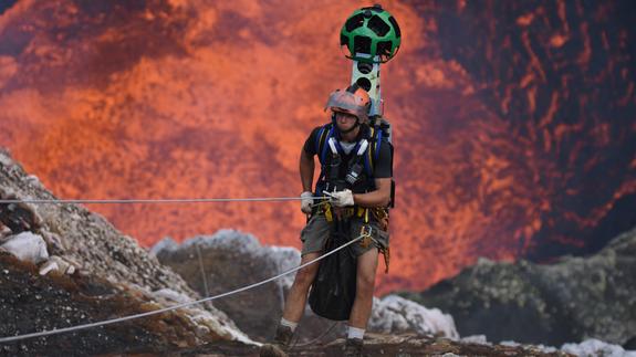 НЕВЕРОЈАТНО: Гугл ве води директно во вулкански канал! (ФОТО)