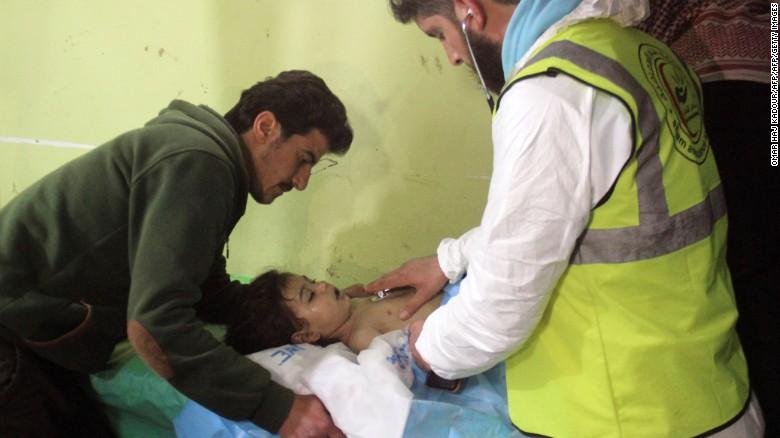 Шестмина загинати при американски напад врз база во Сирија (ФОТО)