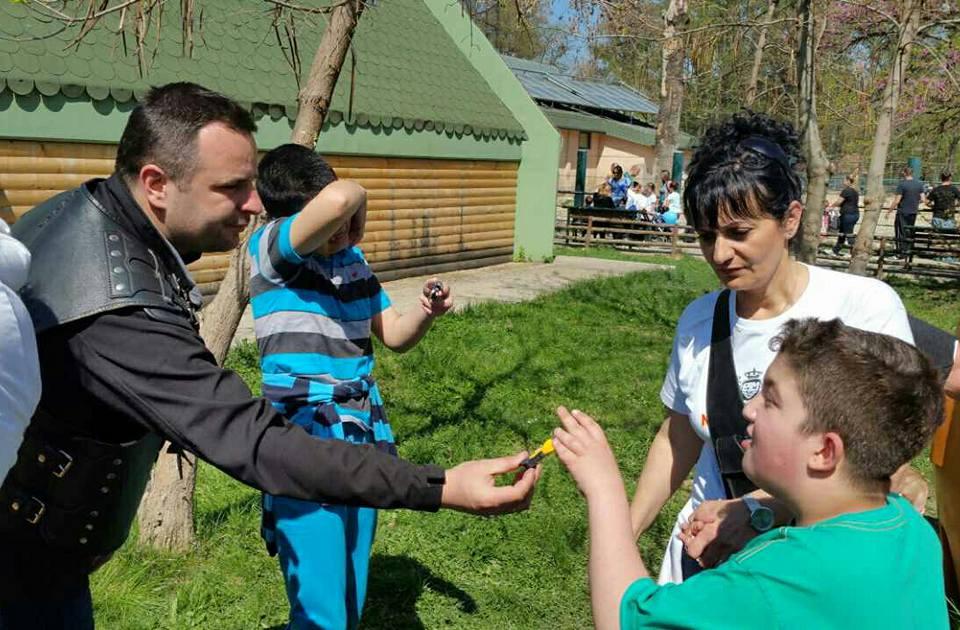 Ноќните волци со емпатија кон децата аутисти (ФОТО)