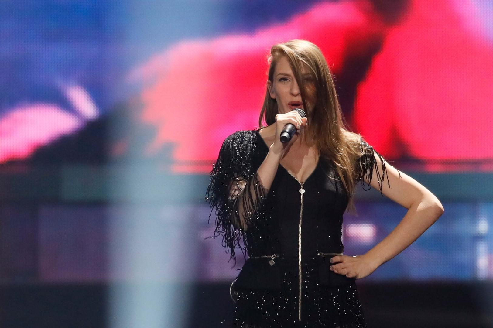 ПОДГОТВЕНА ЗА НАСТАПОТ: Погледнете ја втората проба на Јана на евровизиската сцена (ВИДЕО)