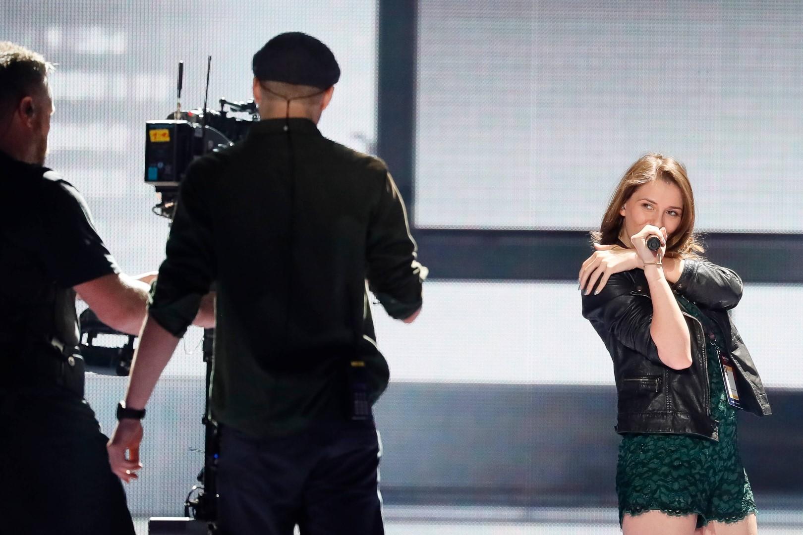 ПРОБА НА ГОЛЕМАТА СЦЕНА: Погледнете како ќе изгледа настапот на Јана на Евровизија (ВИДЕО)