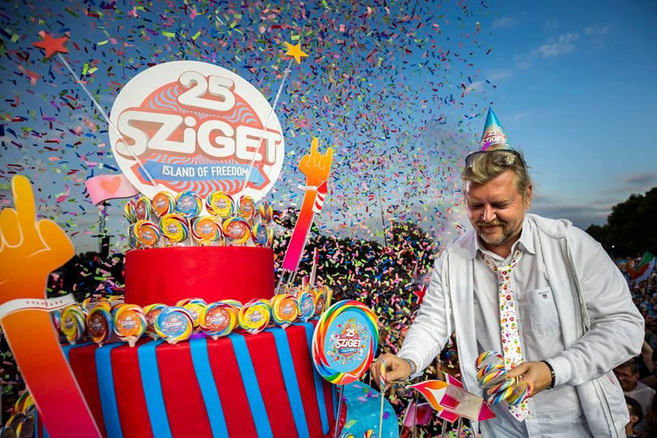 """Ултимативна забава со """"Д Чеинсмоукерс"""" на фестивалот Сигет во Будимпешта (ФОТОГАЛЕРИЈА)"""