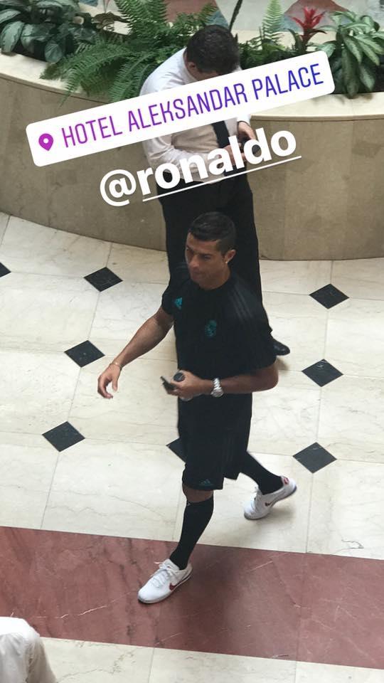 "ПАПАРАЦО ФОТО: Роналдо ""уловен"" низ Александар Палас"