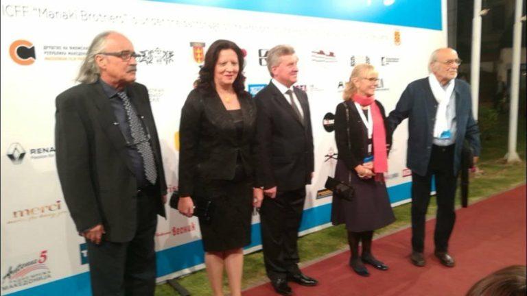 """Пјер Лом поздравен со стоечки овации на отворањето на """"Браќа Манаки"""" (ФОТО)"""