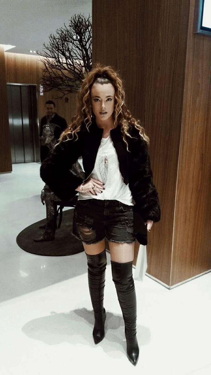 NINNARED: Девојката која го привлече вниманието на Модниот викенд во Скопје (ФОТО)