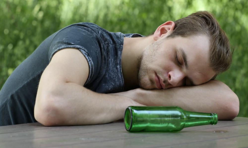 Пијан Романец заспал во локално кафуле и се разбудил во Лондон